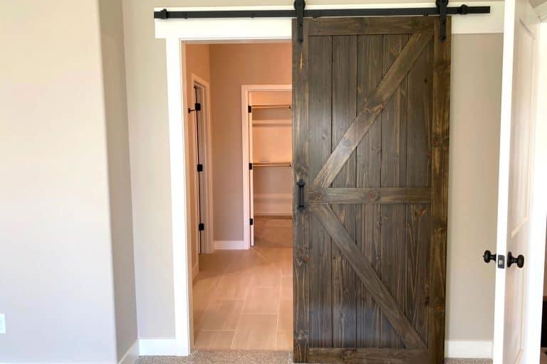An oak barn door inside modern home, How To Make An Oak Barn Door