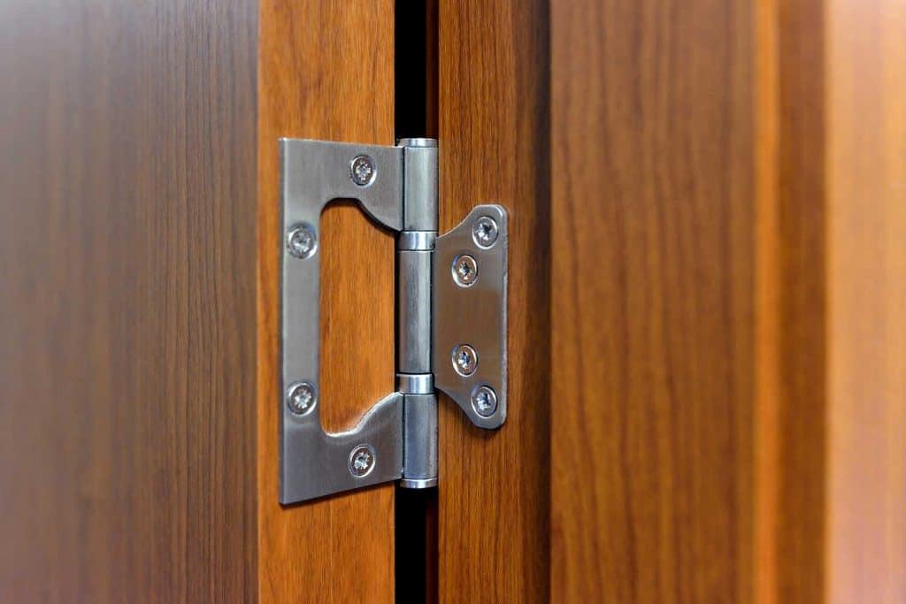 Close-up the door hinge on the door